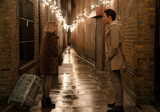 Kate und Tom auf einem Spaziergang.